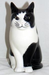 【送料無料】猫 ネコ キャット 置物 ウズラセラミックスフラワー#バーニーquail ceramics moggy cat flower vase 034;barney034; small 969