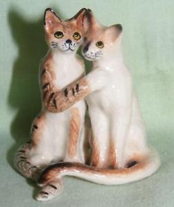【送料無料】猫 ネコ キャット 置物 ミニチュアカップルklima miniature porcelain animal figure dancing cat couple sitting k600