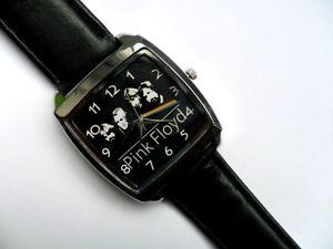 【送料無料】腕時計 ウォッチスクエアクオーツブラックストラップピンクフロイドダークサイド