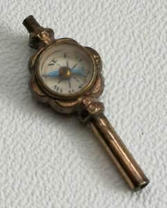 【送料無料】腕時計 ウォッチビンテージアンティークコンパスポケットウォッチフォブキー