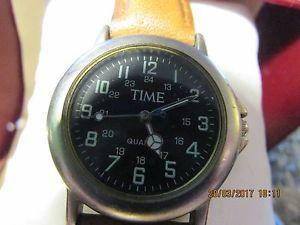【送料無料】腕時計 ウォッチfor ****** an old quartz time ******wrist watch