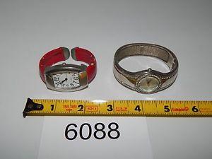 【送料無料】腕時計 ウォッチヴィンテージレディースクォーツカフデザインロットvintage watch lot of 2 ladies quartz runs good cuff design 6088