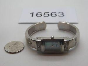 【送料無料】腕時計 ウォッチビンテージレディースクオーツカフデザインvintage watch ladies quartz cuff design runs good 16563
