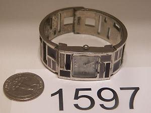 【送料無料】腕時計 ウォッチビンテージレディースクオーツカフデザインウォッチvintage watch ladies quartz cuff design 1597