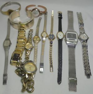【送料無料】腕時計 ウォッチゴールドシルバーストーンlot of vtg 2 now men or lady watch quartz elgin gold amp; silver tone estate finds