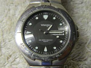 【送料無料】腕時計 ウォッチラングラーヒーロークオーツバッテリーwrangler hero quartz wristwatch with daydate battery