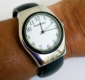 【送料無料】腕時計 ウォッチクォーツスイングカフビニールシルバーストーンウォッチ
