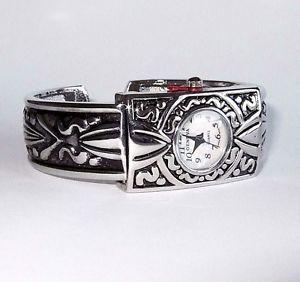 【送料無料】腕時計 ウォッチジュネーブシルバーカフウォッチ geneva detailed silver cuff watch