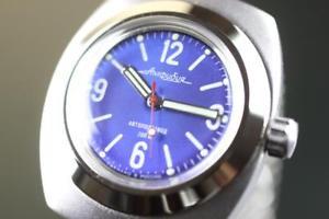【送料無料】腕時計 ウォッチヴォストークヴォストーククリーンベゼルウォッチvostok amphibia automatik military watch wostok 2416090659 se sauber lnette