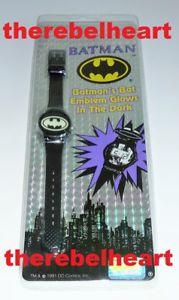 【送料無料】腕時計 ウォッチバットマンコミックロゴグローbatman returns lcd watch 1992 bat logo glow in dark sealed dc comics mip rare