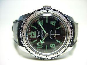 【送料無料】腕時計 ウォッチビンテージタイプsignal montre vintage type plongee en tres bon etat general 1970s