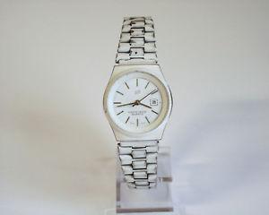 【送料無料】腕時計 ウォッチポルシェデザインスイス porsche design swiss damenuhr mit datum fr bastler profis