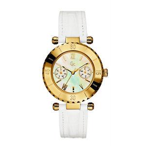 【送料無料】腕時計 ウォッチコレクションダイバーシックゴールドレディホワイトストラップウォッチ guess collection gc diver chic gold lady watch white strap date mop i25039l1