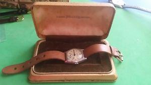 【送料無料】腕時計 ウォッチケースtwo helvetia wristwatches and pigskin case c1940 working