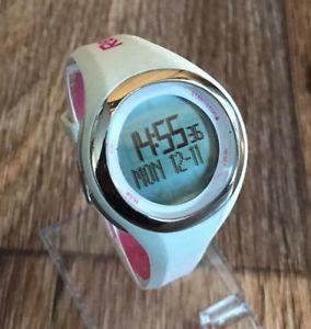 【送料無料】腕時計 ウォッチデジタルスポーツレディースピンクホワイトウォッチデータreebok watch womens digital sport pink white wrist watch 50 atm personal data