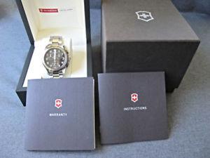 【送料無料】腕時計 ウォッチスイスアーミークロノクラシッククロノグラフウォッチneues angebotalmost unworn victorinox swiss army chrono classic chronograph watch