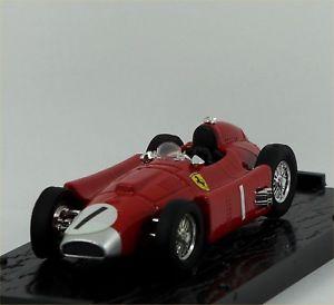 【送料無料】模型車 モデルカー スポーツカーファンマニュエルファンジオイギリスbrumm lanciaferrari d50 r76 juan manuel fangio 1st british gp 1956 excellent