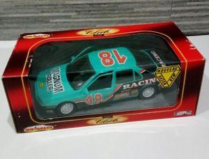 【送料無料】模型車 モデルカー スポーツカープジョーmajorette peugeot 605 number 4401