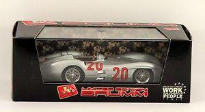 【送料無料】模型車 モデルカー スポーツカーメルセデスフランスカールbrumm mercedes w196c 2nd gp france 1954 karl kling r280b limited edition boxed