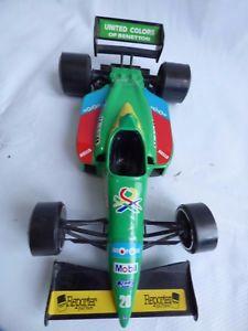 【送料無料】模型車 モデルカー スポーツカーフォーミュラベネトンフォードモービルレーシングカーbburago 124 formula 1 benetton ford b188 toy 7up bulova mobil sanyo racing car