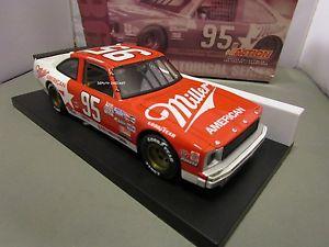【送料無料】模型車 モデルカー スポーツカーアクションミラー#ミラーシボレーノバaction 124 davey allison miller 1986 95 miller chevy nova cwc used very nice