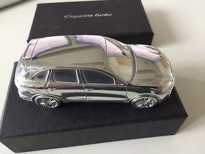 【送料無料】模型車 モデルカー スポーツカーポルシェカイエンターボ#モデル#アルミporsche cayenne turbo 034;limited edition model034;, aluminium