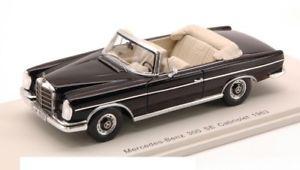 【送料無料】模型車 モデルカー スポーツカースパークモデルカブリオブラックモデルメルセデス