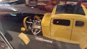 【送料無料】模型車 モデルカー スポーツカーアメリカグッズアメリカングラフィティフォードシボレーertl american muscle collectibles, american graffiti 32 ford amp; 039;55 chevy, 2 cars