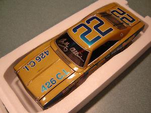 【送料無料】模型車 モデルカー スポーツカーサイン#ボビーアリソンダッジautographed 22 bobby allison 1969 brooksmassey dodge chgr 124 nascar legends