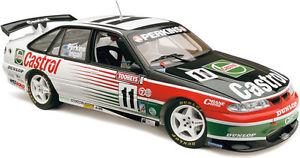 【送料無料】模型車 モデルカー スポーツカーコモドールラリーパーキンスラッセルクラシック1995 bathurst winner vr commodore larry perkins and russell ingall 118 classic