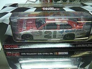 【送料無料】模型車 モデルカー スポーツカー#トレバーデイトナレースバージョンrare signed 2011 21 trevor bayne motorcraft daytona 500 raced win version 124