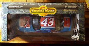 【送料無料】模型車 モデルカー スポーツカーアメリカ#リチャードペティスケールamerican muscle ~ 43 richard petty ~ [118 scale] 25th anniversary vtg car