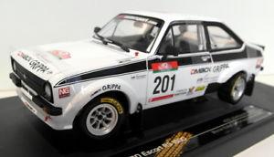 【送料無料】模型車 モデルカー スポーツカーサンスタースケールフォードエスコート#ポルトガルラリーカンクネンsunstar 118 scale 4493 ford escort rs1800 201 portugal rally 2010 kankkunen