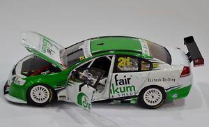 【送料無料】模型車 モデルカー スポーツカーホールデンコモドール#118 holden commodore ve 2010 reindler 21  b18301q