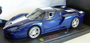 【送料無料】模型車 モデルカー スポーツカーホットホイールスケールフェラーリメタリックストライプエリートhot wheels 118 scalej8247 ferrari fxx metallic blue white stripe elite vesio