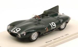【送料無料】模型車 モデルカー スポーツカースパークモデルジャガーセブリングホーソンjm2144449spark model s43se55 jaguar d n19 winner 12h sebring 1955 mhawthornp