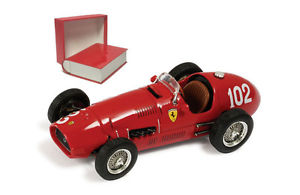 【送料無料】模型車 モデルカー スポーツカーネットワークフェラーリ#ジュゼッペ#ファリーナスケールixo sf1152b ferrari f1 500 f2 102 1952 giuseppe 039;nino039; farina 143 scale