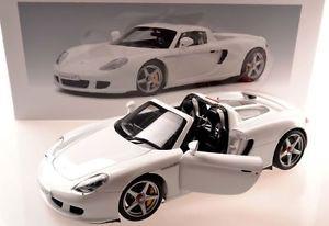 【送料無料】模型車 モデルカー スポーツカーポルシェカレラautoart 78045 porsche carrera gt white 118 ovp