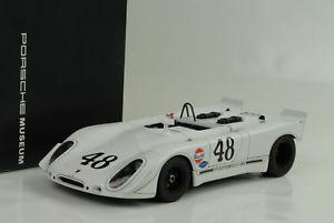 【送料無料】模型車 モデルカー スポーツカーポルシェ#セブリングスティーブマックィーン1970 porsche 90802 48 sebring steve mcqueen 118 autoart museo