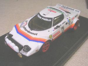 【送料無料】模型車 モデルカー スポーツカーランチアフランスレースlancia stratos gr4 total tour de france 1981 winner darniche racing 43 143