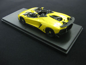 【送料無料】模型車 モデルカー スポーツカーモデルランボルギーニrare looksmart modelslamborghini aventador j 143 yellow midas