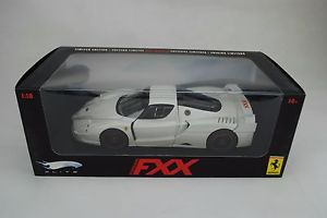 【送料無料】模型車 モデルカー スポーツカーエリートフェラーリエディションドル118 mattel elite l7128 ferrari gt whitelimited editionovp