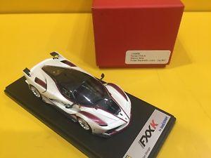 【送料無料】模型車 モデルカー スポーツカースマートフェラーリ#ホワイトイタリアマラネロlook smart ls445bferrari fxx k 47 white italyred maranello