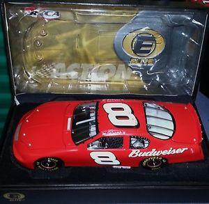 【送料無料】模型車 モデルカー スポーツカーデイルアーンハートジュニアバドワイザーテストカーエリート#2005 dale earnhardt jr budweiser test car 124 elite 1866 of 2500