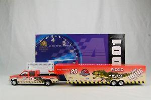【送料無料】模型車 モデルカー スポーツカーアクショントニースチュワート#ホームデポジュラシックパークキャビンショートレーラaction tony stewart 20 home depot jurassic park 2001 crew cab show trailer 124