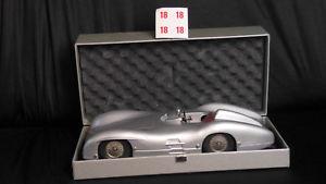 【送料無料】模型車 モデルカー スポーツカープレートレースカーミュージアムモデルシルバーオペmrklin plate race cars, museum model w 196, silver, op, unrecorded