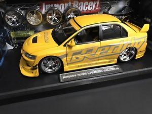 【送料無料】模型車 モデルカー スポーツカーランサーエボレーサーチューナインポート2004 mitsubishi lancer evo viii, jada toys import racers tuners 118 scarce htf