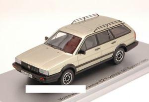【送料無料】模型車 モデルカー スポーツカーモデルパサートシルバーjm 2139262 kess model ks43028000 vw passat b2 familcar gt syncro 1985 silver and