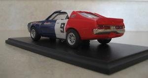 【送料無料】模型車 モデルカー スポーツカーボストランスレーサー#ピーターboss 1970 javelin trans am racer 9 peter revson