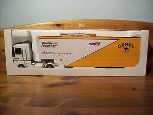 【送料無料】模型車 モデルカー スポーツカートランスポーターベネトンフォーミュラチームキャメルシューマッハ143 transporter benetton formula 1 team 1993 camel patrese schumacher